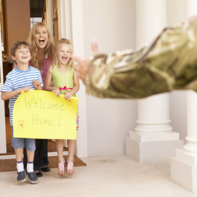 5 Essential Tips for Planning a Military Homecoming Party