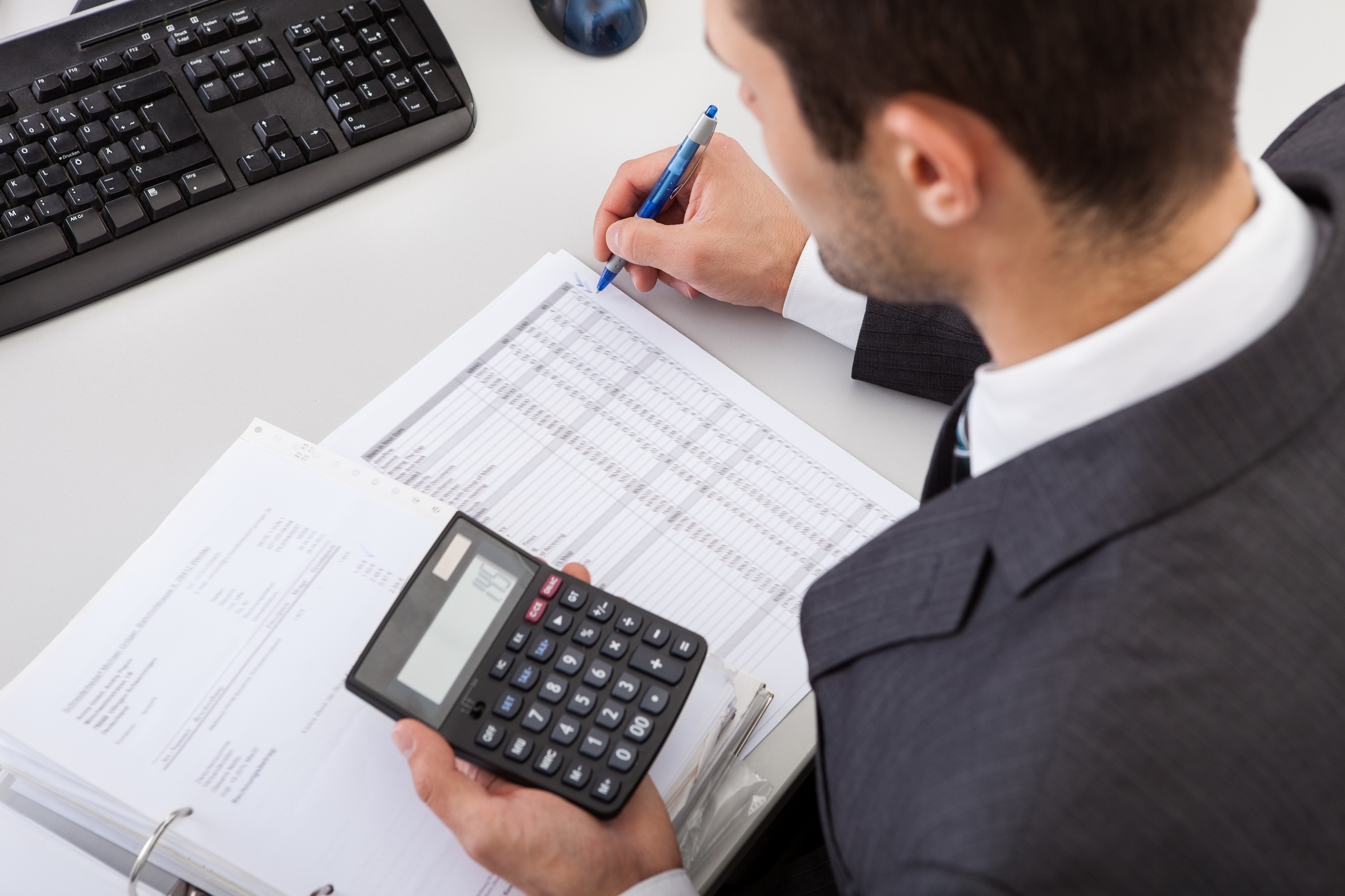 Build Your Startup on Solid Ground: When to Start Hiring Accountants