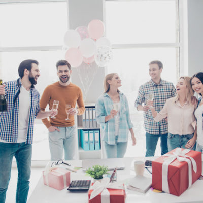 8 Awesome Gift Ideas For Your Favorite Co-Workers