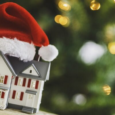 Finance 101: Buying a House During the Holiday Season
