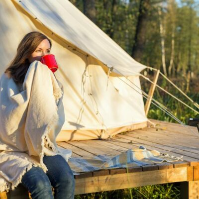 4 Tips For Staying Gorgeous While Camping